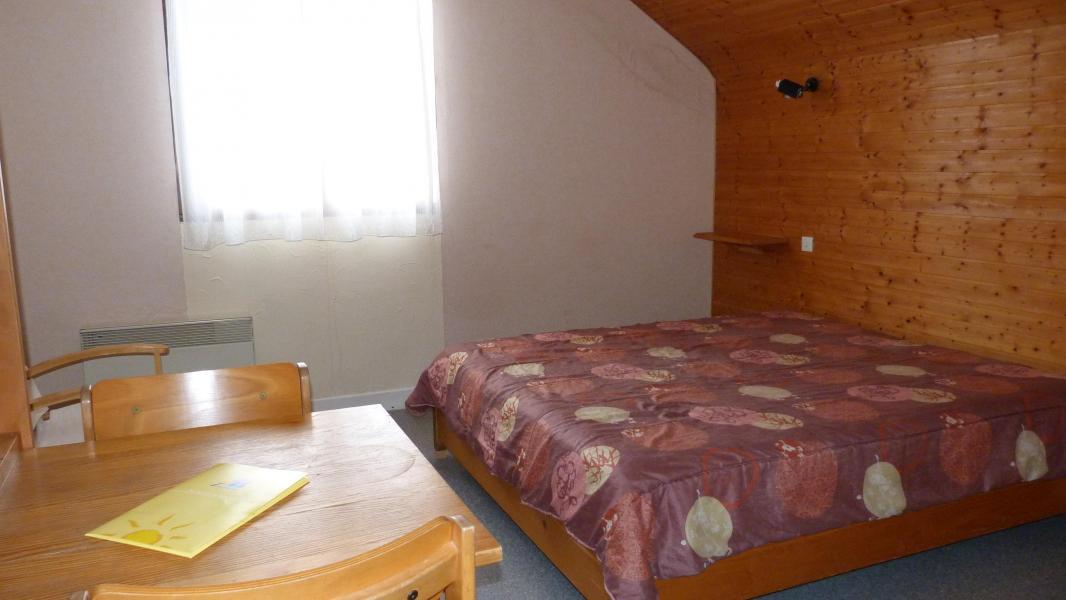 Rent in ski resort Résidence les Myrtilles - Gérardmer - Living room