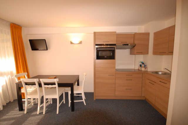 Location au ski Studio cabine 8 personnes (MAR8) - Residence Les Marmottes - Gourette - Séjour