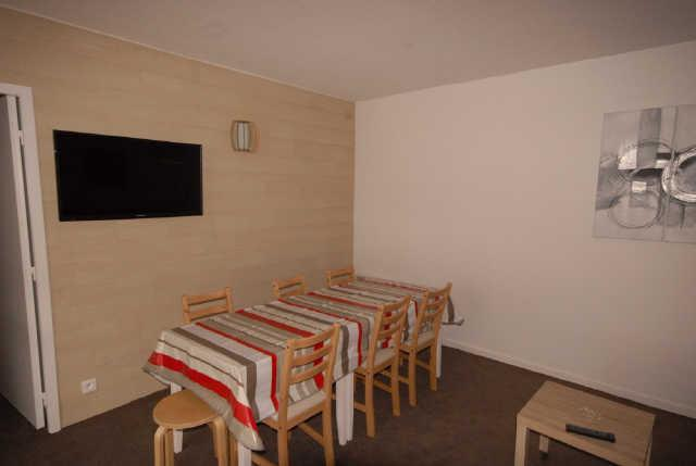 Rent in ski resort 3 room apartment cabin 8 people (ISA53) - Résidence Isards - Gourette - Table