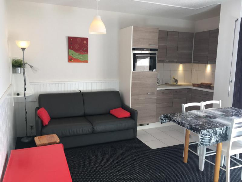 Location au ski Studio 6 personnes (ISA72) - Residence Isards - Gourette - Table basse
