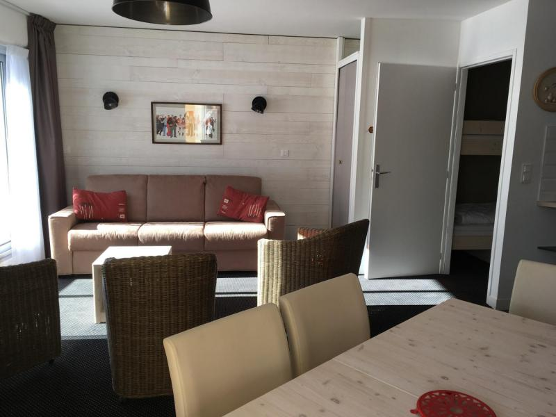 Rent in ski resort 2 room apartment sleeping corner 8 people (E3) - Résidence les Marmottes - Gourette
