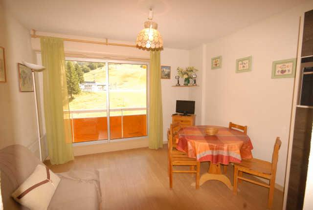 Rent in ski resort Studio 4 people (D3) - Résidence les Marmottes - Gourette - Apartment