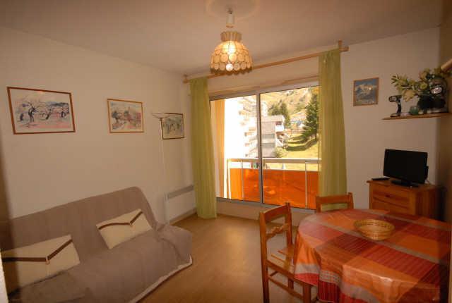 Location au ski Studio 4 personnes (D3) - Residence Les Marmottes - Gourette - Séjour