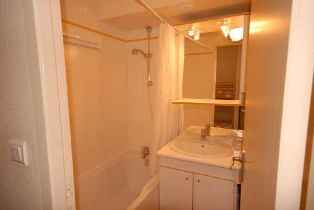 Location au ski Studio cabine 8 personnes (MAR8) - Residence Les Marmottes - Gourette - Salle de bains