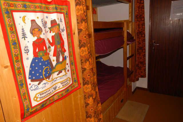 Rent in ski resort Studio 4 people (SAN105) - Résidence Sanctus - Gourette