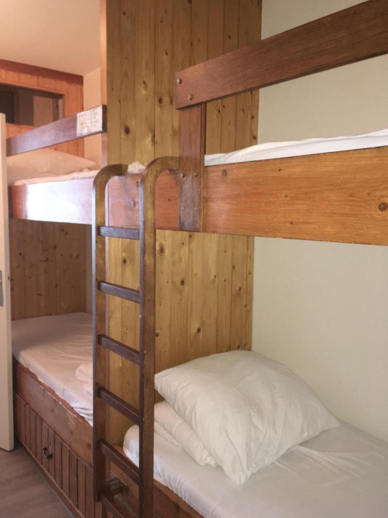 Location au ski Studio coin montagne 6 personnes (SAN37) - Résidence Sanctus - Gourette - Appartement