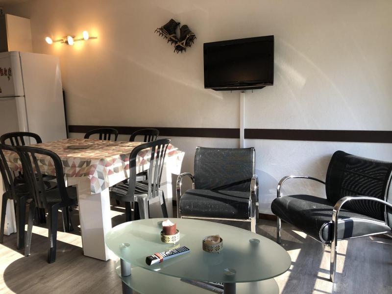 Location au ski Studio coin montagne 6 personnes (SAN37) - Résidence Sanctus - Gourette - Table