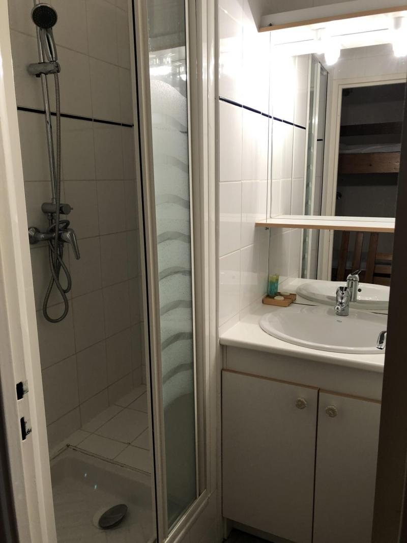 Rent in ski resort Studio sleeping corner 6 people (SAN37) - Résidence Sanctus - Gourette - Apartment