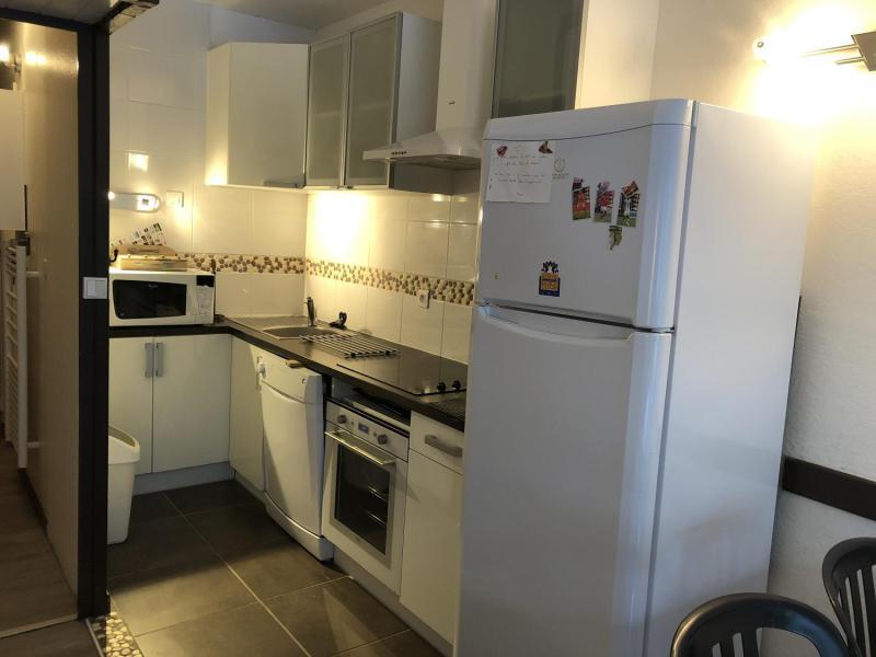 Rent in ski resort Studio sleeping corner 6 people (SAN37) - Résidence Sanctus - Gourette - Kitchen