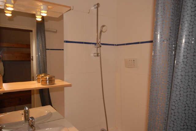 Location au ski Studio 6 personnes (SAR205) - Residence Sarriere - Gourette - Douche