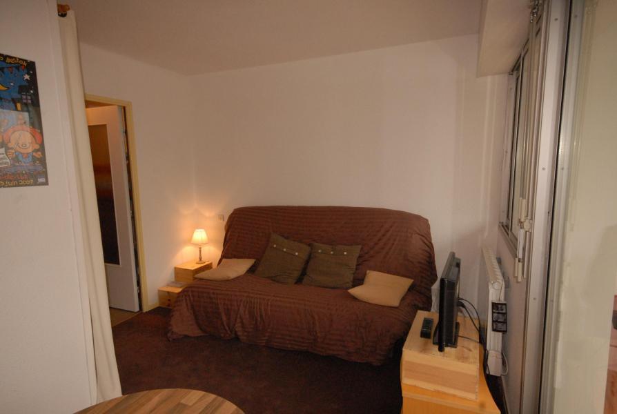 Rent in ski resort Studio sleeping corner 6 people (VAL104) - Résidence Val Soleil - Gourette - Bench seat