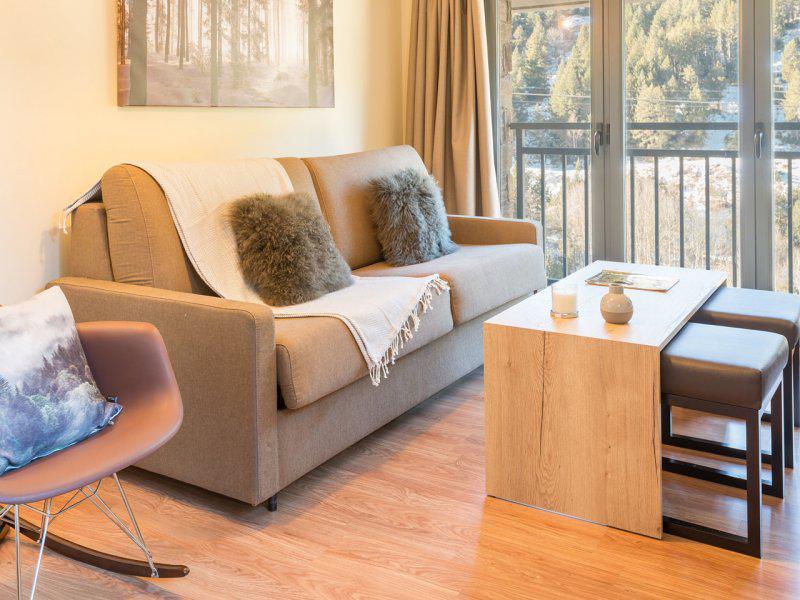 Rent in ski resort 3 room apartment 6 people (Supérieur) - Résidence Pierre & Vacances Andorra Peretol Sunari - Grandvalira