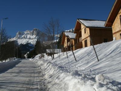 Location au ski Residence Les Gentianes - Gresse en Vercors - Extérieur hiver