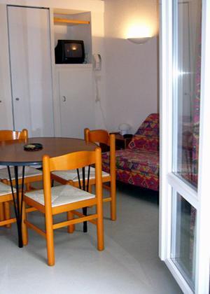 Location au ski Studio 2 personnes - Residence Les 3 Cesars - Guzet - Coin repas