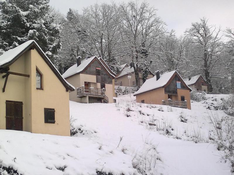 Vacances en montagne Résidence le Village la Souleille des Lannes - Guzet - Extérieur hiver