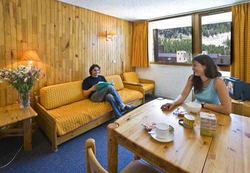 Location au ski Studio 4 personnes - Residence Les Adrets - Isola 2000 - Séjour