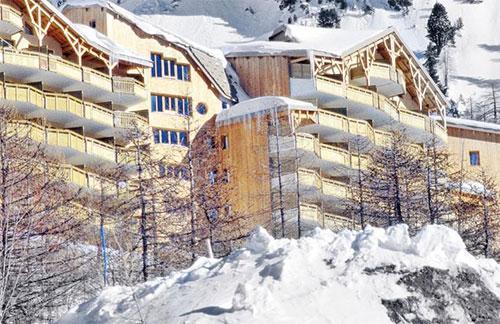 Rent in ski resort Résidence Pierre & Vacances les Terrasses d'Azur - Isola 2000 - Winter outside