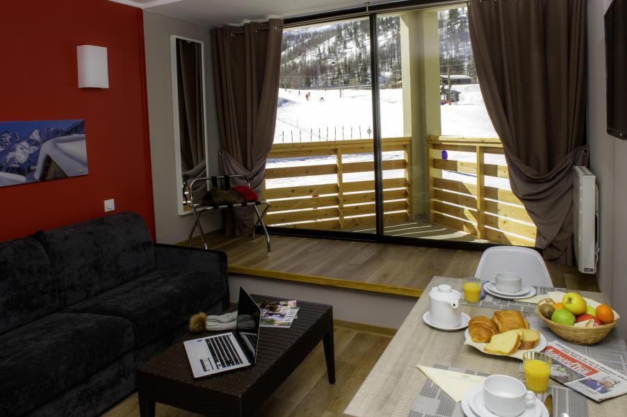 Location au ski Sowell Résidences New Chastillon - Isola 2000 - Canapé
