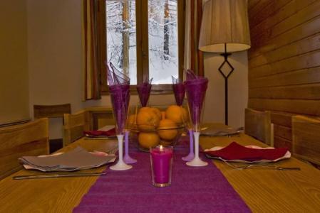 Location au ski Les Chalets d'Isola - Isola 2000 - Coin repas