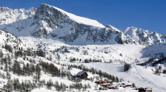Vacances en montagne Les Chalets du Diva - Isola 2000 - Extérieur hiver
