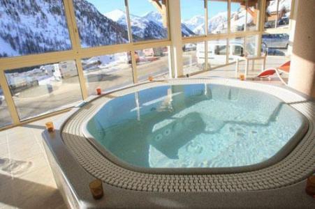Location au ski Residence Club Mmv Les Terrasses D'isola - Isola 2000 - Jacuzzi