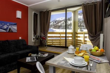 Location au ski Residence Le New Chastillon - Isola 2000 - Table