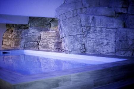 Location au ski Residence Le New Chastillon - Isola 2000 - Piscine