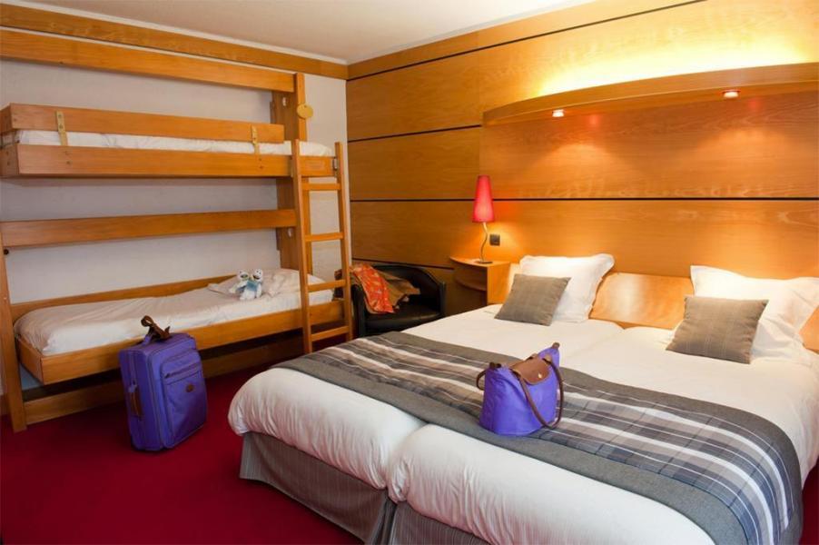 Rent in ski resort Quadruple room - Hôtel les Vallées - La Bresse - Bedroom
