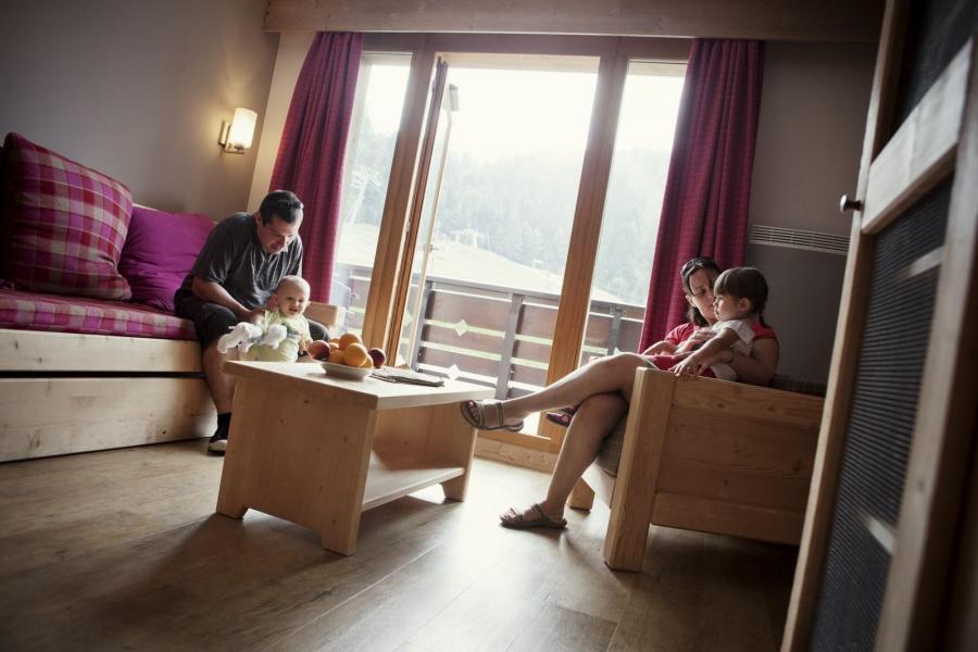 Skiverleih Résidence les Grandes Feignes - La Bresse - Wohnzimmer