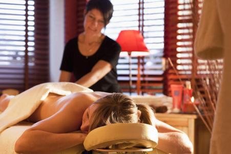 Location au ski Hotel Les Vallees - La Bresse - Massage
