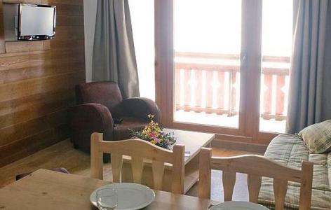 Location au ski Residence Grandes Feignes - La Bresse - Table