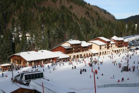 Location au ski Residence Les Grandes Feignes - La Bresse - Extérieur hiver