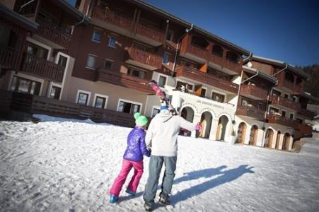 Holiday in mountain resort Residence Les Grandes Feignes - La Bresse - Winter outside
