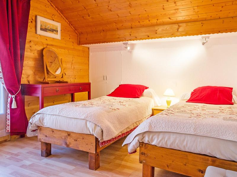 Rent in ski resort Chalet de la Chapelle - La Chapelle d'Abondance - Bedroom