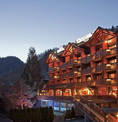 hotel carlina partir de 1120 location vacances montagne la clusaz. Black Bedroom Furniture Sets. Home Design Ideas