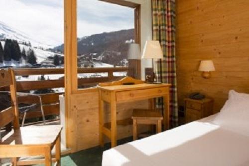 location chambre double nord la clusaz ski planet. Black Bedroom Furniture Sets. Home Design Ideas
