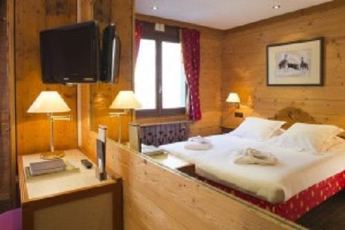 Location au ski Hôtel Carlina - La Clusaz - Lit double