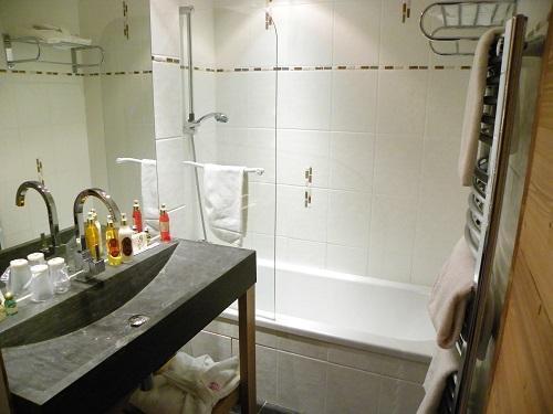 Location au ski Hôtel Carlina - La Clusaz - Salle de bains