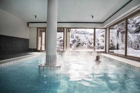 Location au ski Hotel Alpen Roc - La Clusaz - Piscine