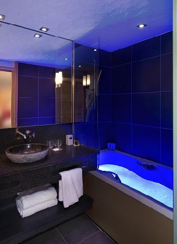 Location au ski Hotel Au Coeur Du Village - La Clusaz - Salle de bains