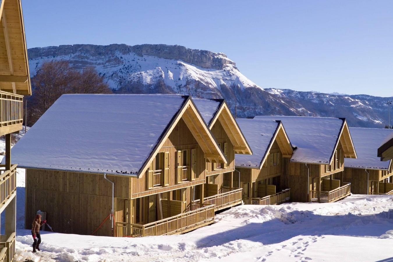 Les chalets du berger 39 la f claz location vacances ski la f claz ski planet - Les meubles du chalet ...