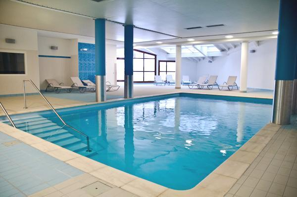 Rent in ski resort Residence Les Balcons D'aix - La Féclaz - Swimming pool