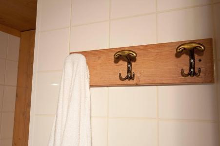 Alquiler al esquí Les Chalets du Berger - La Féclaz - Cuarto de baño con ducha