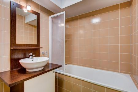 Rent in ski resort Résidence les Balcons d'Aix - La Féclaz - Bathroom