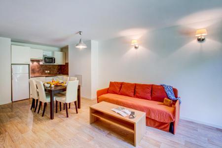 Rent in ski resort Résidence les Balcons d'Aix - La Féclaz - Living room
