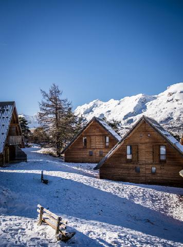 Location au ski Residence Les Flocons Du Soleil - La Joue du Loup - Extérieur hiver