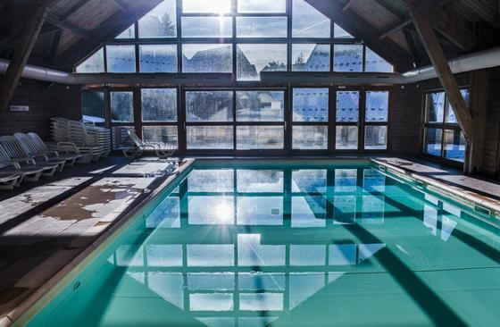 Location au ski Residence Les Flocons Du Soleil - La Joue du Loup - Piscine