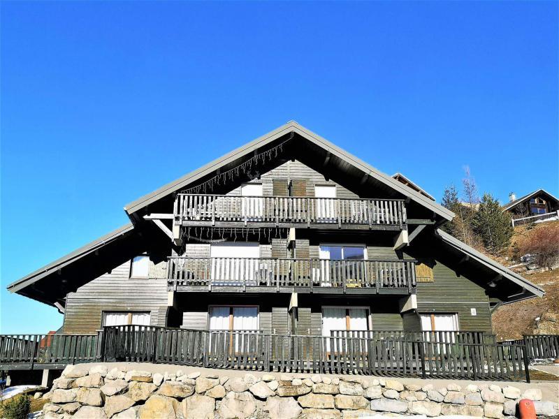 Rent in ski resort Les Chalets d'Aurouze - La Joue du Loup - Winter outside