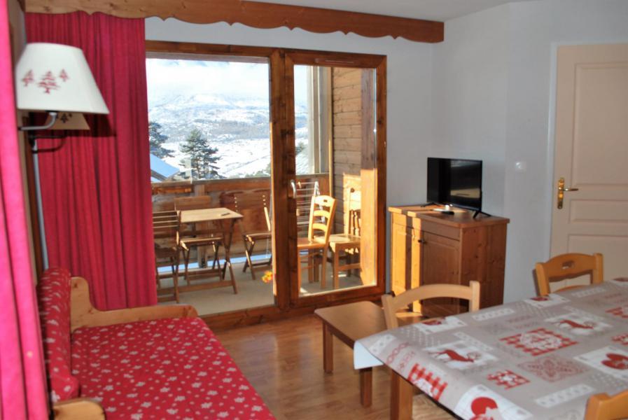 Rent in ski resort 2 room apartment sleeping corner 6 people (112) - Résidence Crête du Berger - La Joue du Loup - Living room