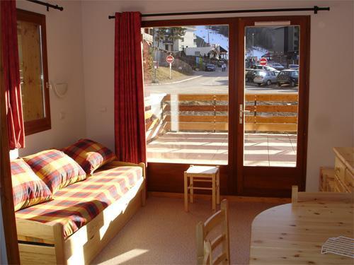 Location au ski Appartement 2 pièces 6 personnes - Résidence Horizon Blanc - La Joue du Loup - Porte-fenêtre donnant sur balcon